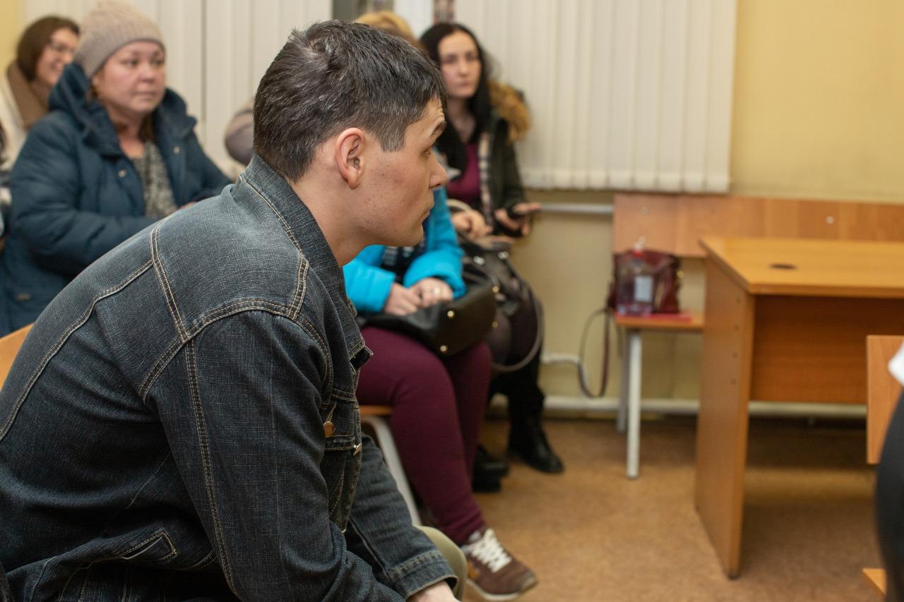 Вадим Мустафин с самого начала находился под домашним арестом, в отличие от двух других полицейских, которые содержались в СИЗО до 18 февраля