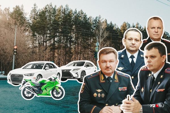 Лодки, мотоцикл и иномарки разных мастей— такой набор транспорта принадлежит главным полицейским нашего региона