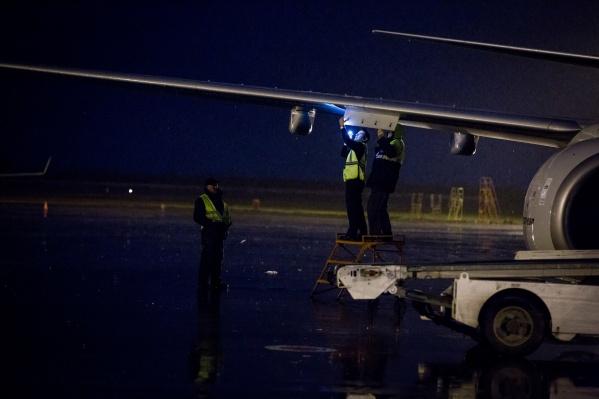 На борту самолёта находились 112 пассажиров