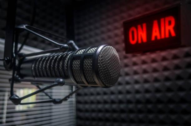 Музыки много — «Шансон» один: известной радиостанции исполнилось 17 лет