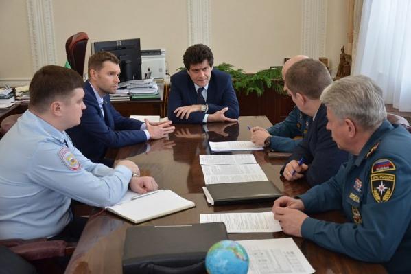 Сегодня Александр Высокинский провел рабочее совещание с депутатами и силовиками
