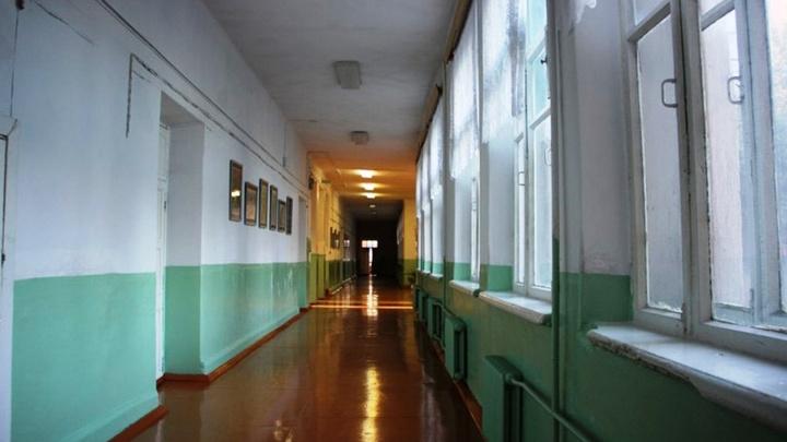Из-за коронавируса в Омской области на карантин закрыли три школы