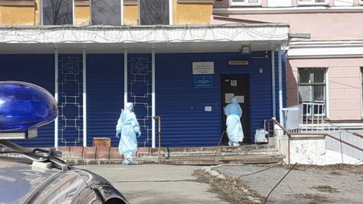 В больницу Златоуста, где врачи пожаловались на выплаты за COVID-19, выехала комиссия Минздрава