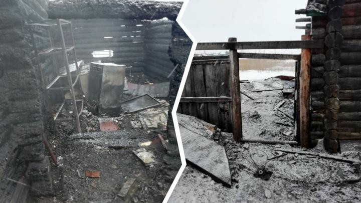 Под Ишимом ночью сгорел частный дом. Погибли хозяин, его подруга и приятель