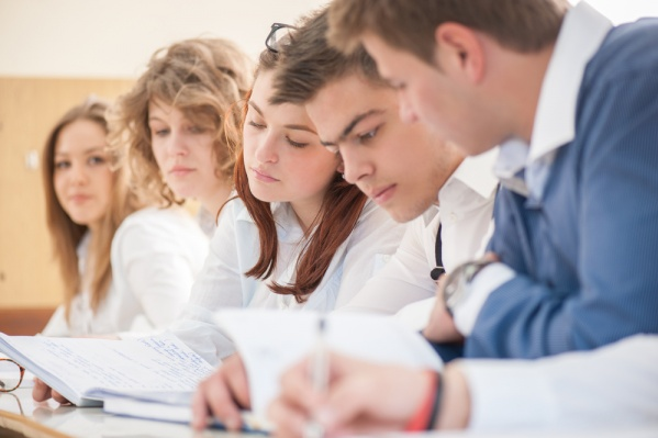 Образовательный кредит с льготной процентной ставкой — это отличная возможность получить высшее образование тем, кому не хватило баллов на бюджет