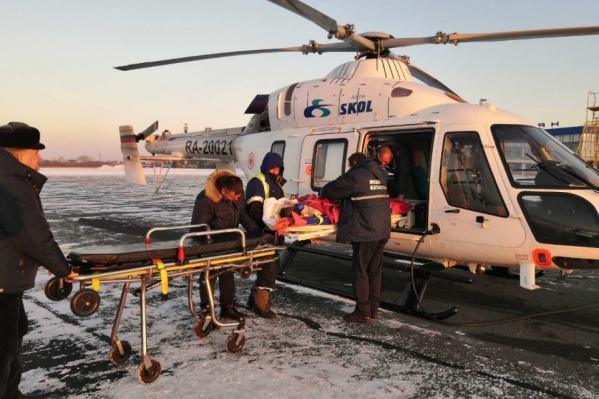 """В Зауралье за прошлый год при помощи медицинских вертолетов эвакуировали <nobr class=""""_"""">246 пациентов</nobr>"""