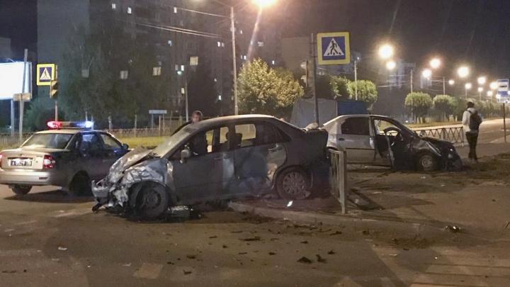 Пытался проскочить: в Ярославле в ДТП пострадали четыре человека