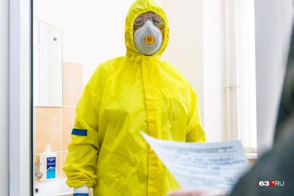 В Красноярском крае за сутки COVID-19 заразились еще 156 человек