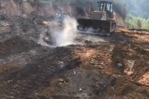 Свалка снова отравляет воздух жителям Уралмаша