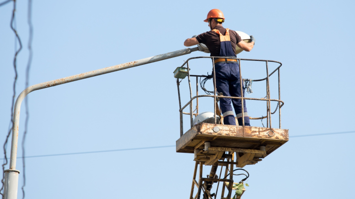 Снова без света: рассказываем, где в Ростове отключат электричество в начале августа