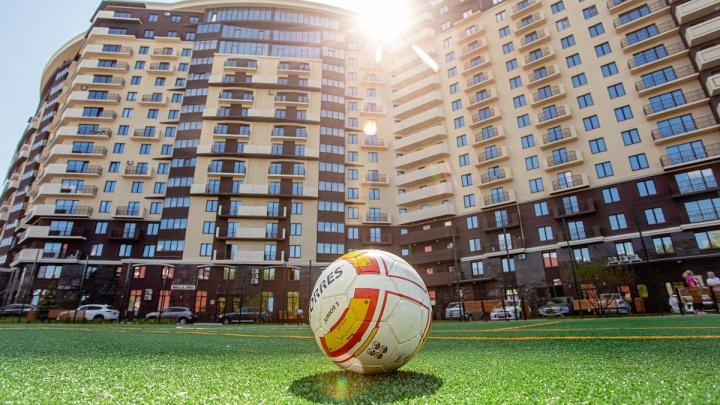 Собственная школа бега и футбольное поле: как развивают спорт в уникальном клубном доме Gagarin Residence