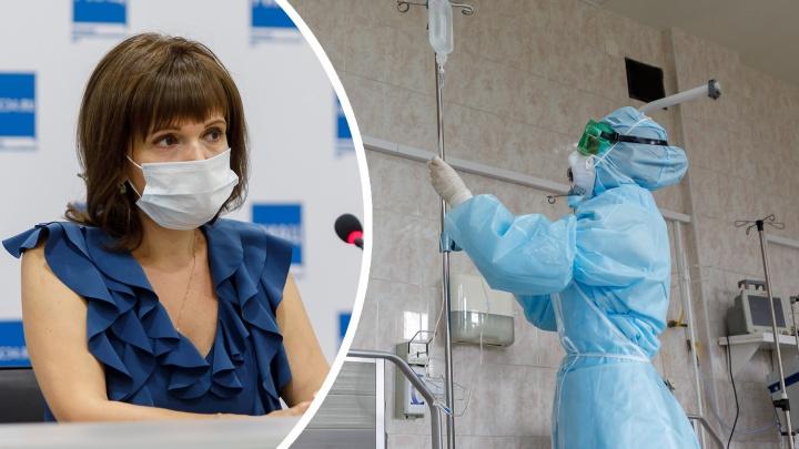 «Первая волна не прошла, люди заболевают повторно»: главный пульмонолог — о коронавирусе в Волгограде