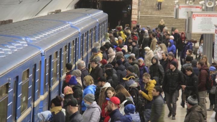 «Почему в ТЦ — опасно, а в метро — годится?» Сибирячка — о странных мерах борьбы с коронавирусом