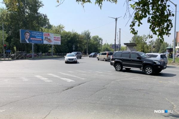 Пересечение улицы Объединения и безымянного проезда
