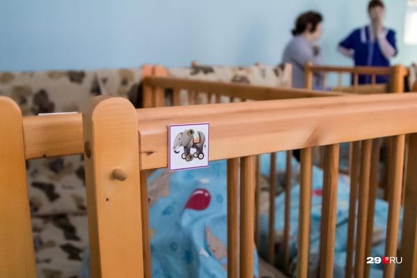 В спальнях в детском саду должно быть не ниже 19 градусов