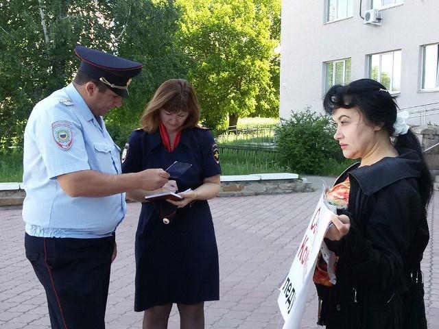 Благодаря участию в общественной деятельности у Ларисы Ясневой уже есть опыт общения с правоохранительными органами