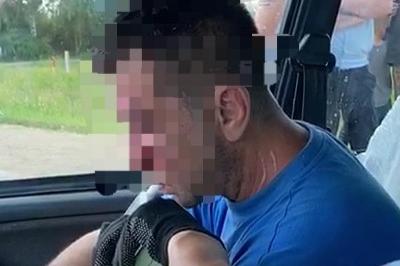 В Башкирии пьяный на машине такси сбил троих школьников