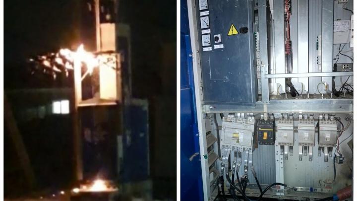 Энергетики объяснили, из-за чего коттеджный поселок под Екатеринбургом остался без электричества