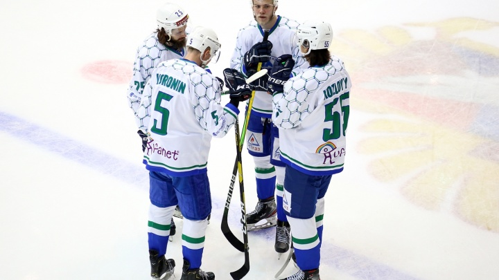 Из-за вспышки COVID-19 на матчи в Курган не смогут прилететь сразу три хоккейные команды