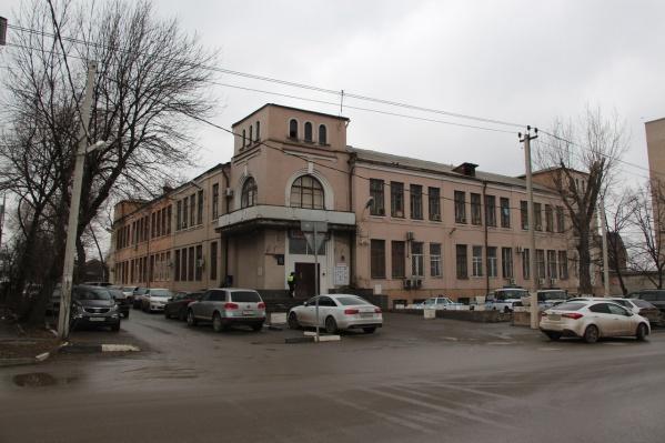 Союз архитекторов и общественники стараются сохранить исторический фасад здания