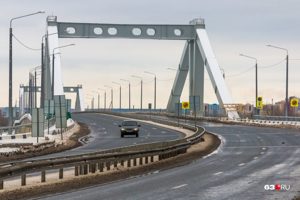 Официально мост через реку Самару еще не введен в эксплуатацию
