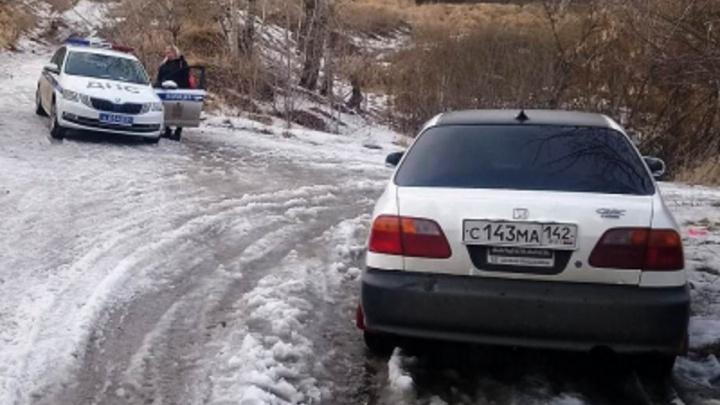 Полицейские задержали на дороге выпившую красноярку с тремя детьми в машине