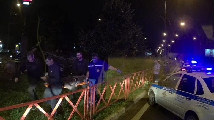 «Унесли с места аварии на носилках»: очевидцы рассказали подробности двух ДТП в Ярославле
