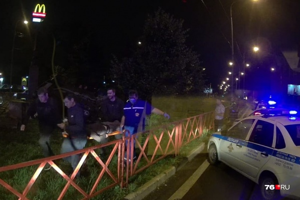 Пассажира легковушки госпитализировали в больницу им. Соловьёва