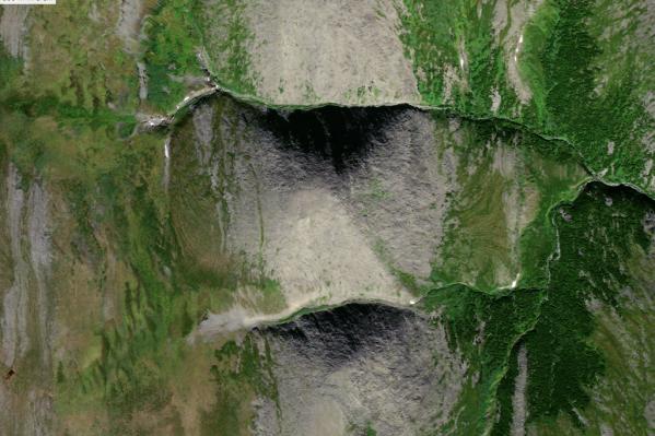 На снимках со спутника видно огромную пирамиду
