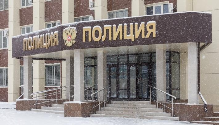 «В полицейской машине предложила взятку»: снимавшая «порчу» со стариков волгоградка попалась в Крыму