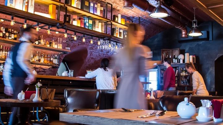 «Белиберда полнейшая»: арт-директор баров высказался о новых коронавирусных ограничениях в Поморье