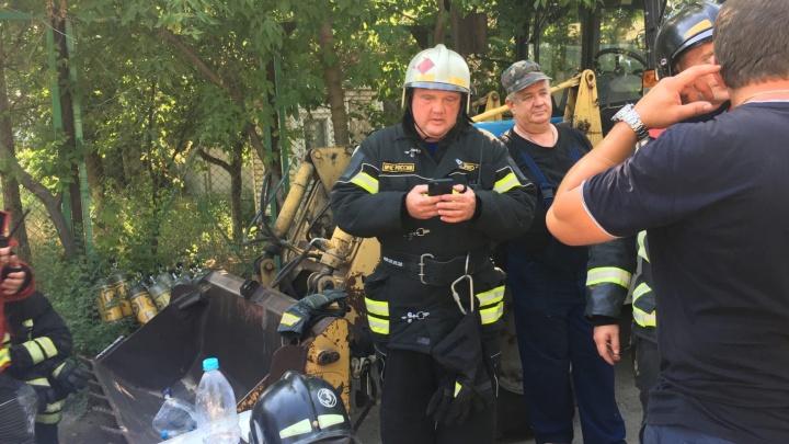 «На складах было более ста тонн продукции ПВХ»: начальник ГУ МЧС — о пожаре на Профильной в Самаре