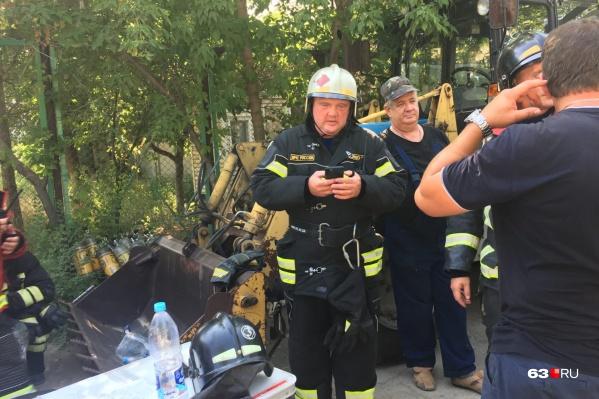 Олег Бойко сообщил, что на место пожара вызвали авиацию МЧС