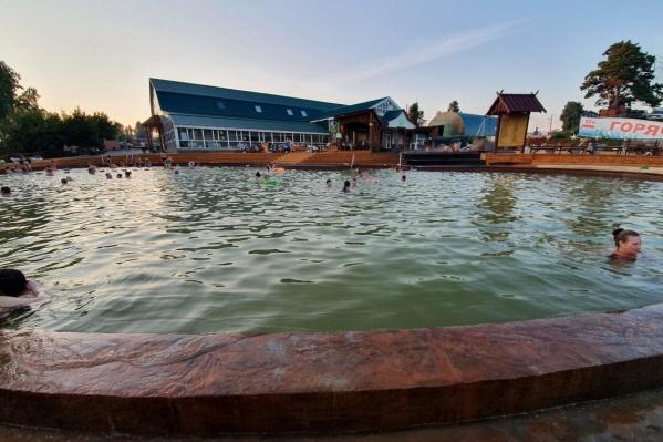 Купаться в теплой воде воде можно не покидая Урала