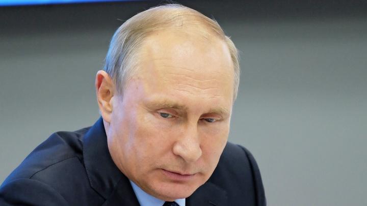 «Куда вы смотрите? Это не шуточки!»: президент Путин отчитал Максима Решетникова из-за роста цен на продукты