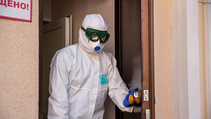 Что происходит в инфекционке, где лежат сибиряки с коронавирусом и подозрением на него: фоторепортаж