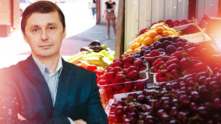 Как устроена стихийная торговля фруктами на улицах Тюмени. Неудачный эксперимент предпринимателя
