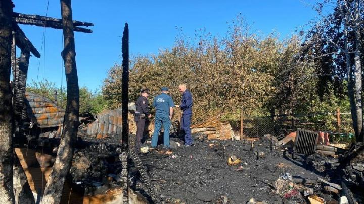 Лежали вместе: появилось видео с места пожара, где погибли мать и трое детей