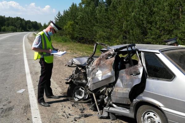 Водителя привезли в больницу, но спасти его не удалось