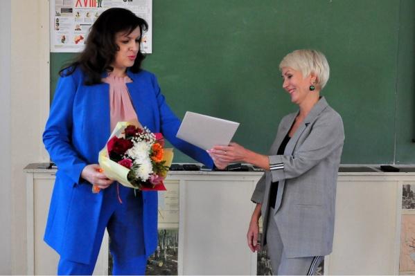 Светлана Маневская (слева) уже исполняла обязанности министра осенью прошлого года