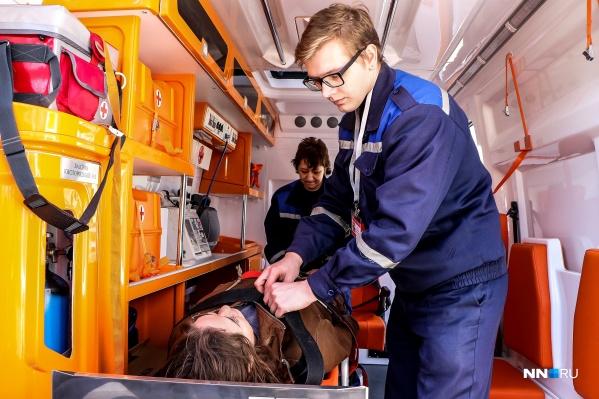 Случаи нападения на врачей скорой помощи за время пандемии участились во многих регионах страны