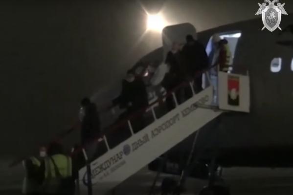 Мужчину доставили из Москвы в Кемерово рано утром