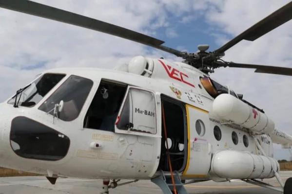 Больных доставили в областной центр на санитарном вертолете Ми-8