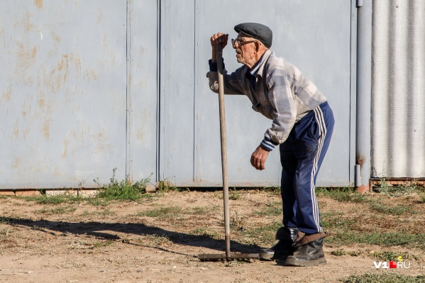 Около 178,5 тысячи пенсионеров имеют инвалидность