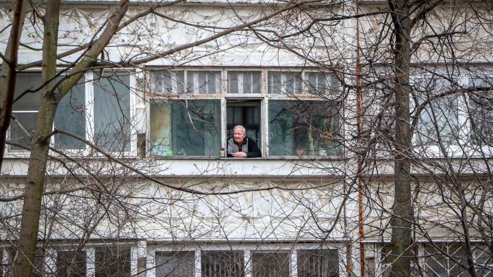 «Мои клиенты в карантине даже готовить не хотят»: психолог о том, почему нам стало плохо дома