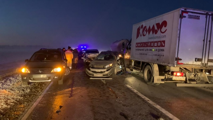 В Нижегородской области столкнулись девять машин. Есть пострадавшие
