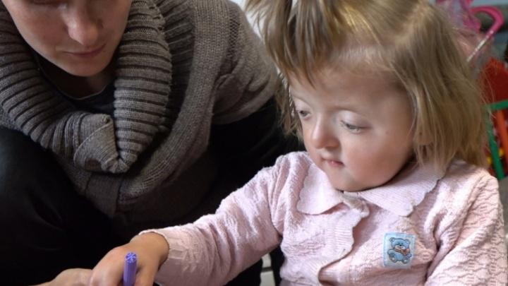 В Башкирии девочка со сросшимися пальцами пошла в детский сад