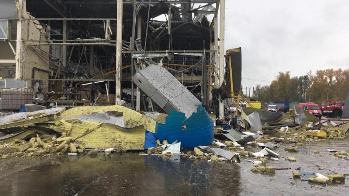 На Первомайке рухнула стена цеха — на месте работает МЧС