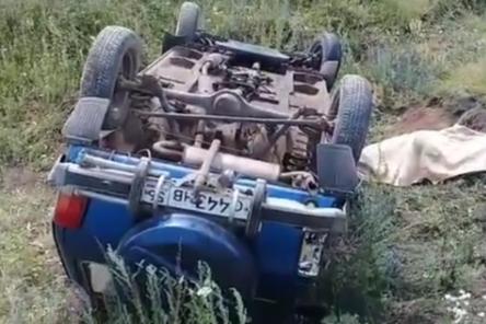 Машина слетела с дороги