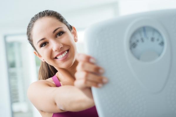 Тем, кто возлагает надежды на аптечные препараты, самое время разобраться в ассортименте средств для похудения